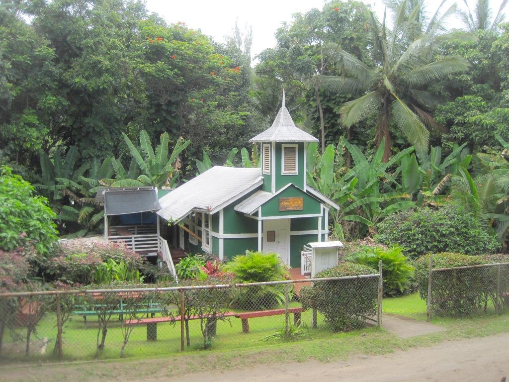 Sänna - Hawaii church